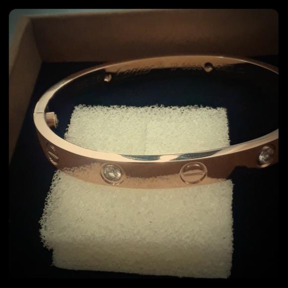 disponible Vente dernières tendances Cartier Love Bracelet Ip 6688